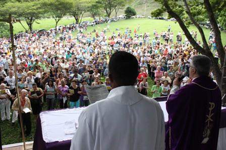 Missa realizada ano passado no cemitério Senhora da Paz