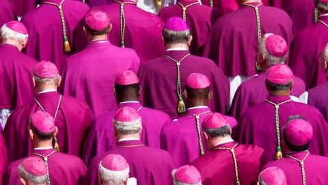 Quanto ganha o bispo?