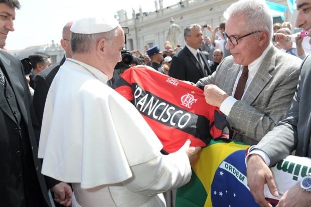 papa_francisco_e_marcio_camisa_2