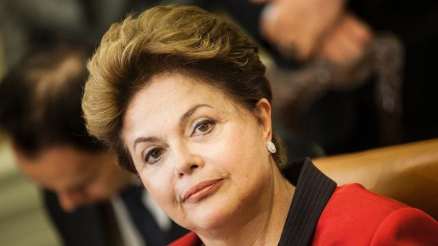 Presidenta Dilma em campanha eleitoral afirmou não fazer nenhuma lei em favor do aborto. Agora lei depende de sua sanção. Esperamos que cumpra a promessa de campanha e vete a lei.