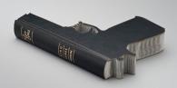 A Bíblia não é uma arma.