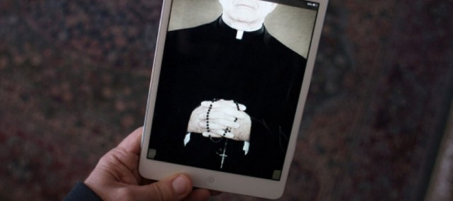 Padre-do-Texas-vai-passar-a-ouvir-confissoes-pelo-Snapchat-890x395_c