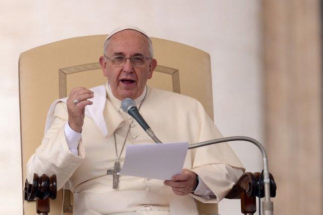 """Papa Francisco: não deixar celebrar casamento com missa é """"pecado de escândalo"""""""