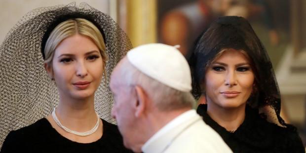 Você sabia? Apenas 7 mulheres no mundo podem vestir branco diante do Papa