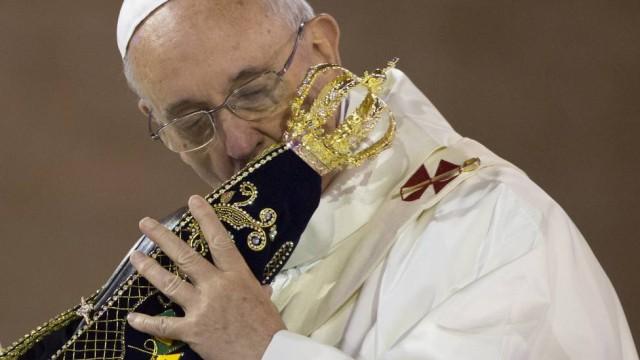 Igreja Católica condena a idolatria a Nossa Senhora